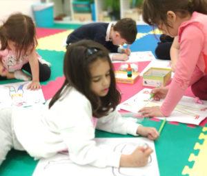 Actividades desarrollo emocional niños en grupo