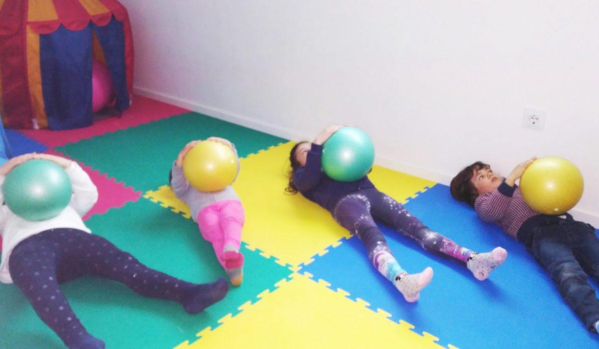 Espacio Oikos: juegos adaptados estimulación niños